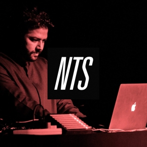 Hasan Hujairi in Ma3azef mix on NTS